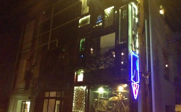 Barzinho modernex na Raiwbon Street