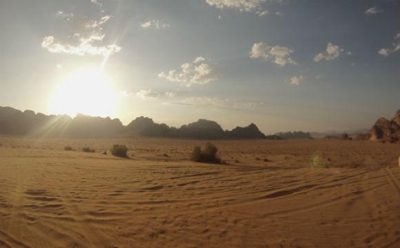 O deserto é isso né...um monte de areia