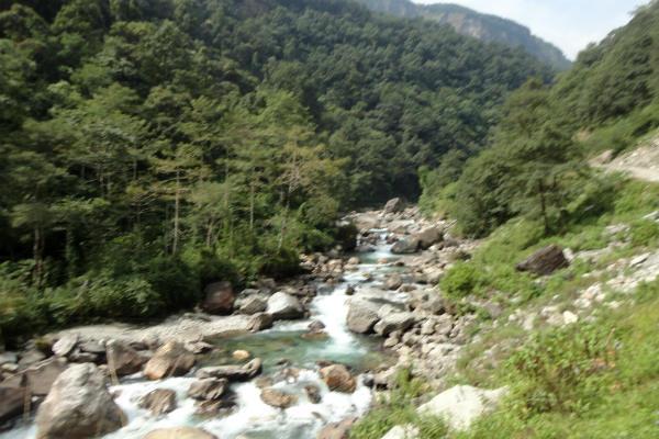 Alguns momentos de rio e cachoeira