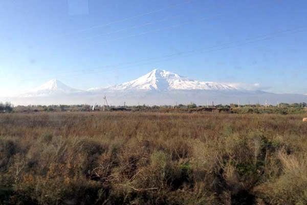 Se for para o sul da Armênia, provavelmente essa será a paisagem no caminho
