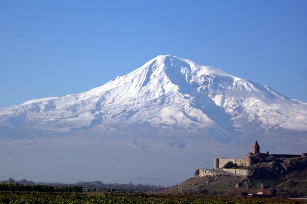 Mosteiro de Khor Virap e Monte Ararat