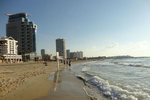 Agradável praia de tel aviv